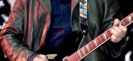 Китаристите на R.E.M и Pearl Jam в нова супер група