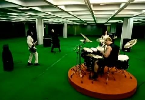 Томи Лий записва барабани за новия албум на Smashing Pumpkins