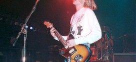 Фен разкри историята на китара на Кърт Кобейн