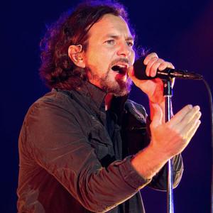 Видео: Pearl Jam и Джон Ленън