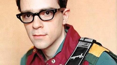 Фронтменът на Weezer в ситком