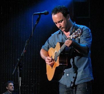 Видео: Майк Маккрийди от Pearl Jam на гости на Dave Matthews Band