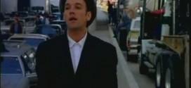 """""""Everybody Hurts"""": Надеждата в една от най-тъжните песни"""