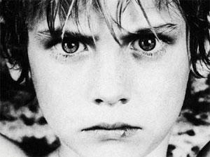 """U2: """"New Year`s Day"""" за Лех Валенса, любовта и войната"""