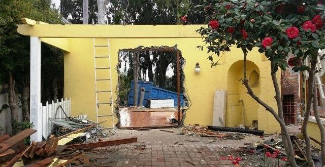 bradbury-la-et-jc-ray-bradbury-house-being-torn-down-20150113