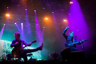 New Order с първи албум без Питър Хук
