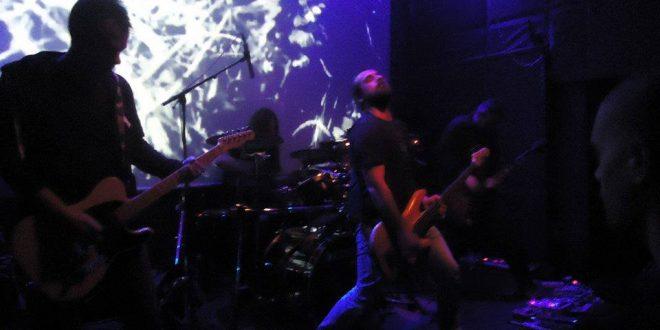 Гърците Calf с концерт в София