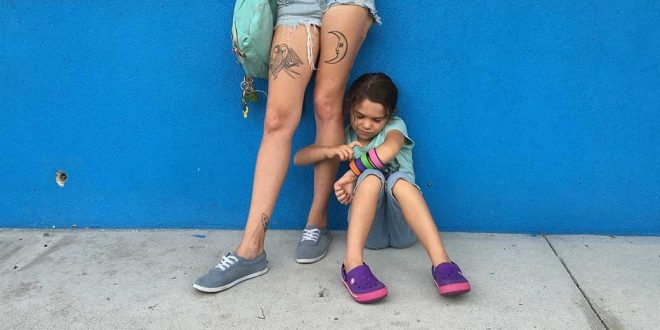 Bria-Vinaite-and-Brooklynn-Kimberly-Prince-in-The-Florida-Project-1200×520