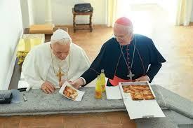 """""""Двамата папи"""": Грехът е рана, а не петно"""